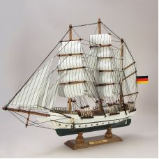 Модель парусника  Gorch Fock