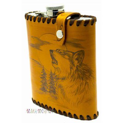 """Купить Фляга """"Воющий волк"""" 0,6 литра в чехле из натуральной кожи в Москве"""