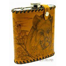 """Фляга """"Охота на кабана"""" 0,6 литра в чехле из натуральной кожи"""