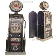 Оригинальная модель ретро бензоколонки с часами ,высота 53 см