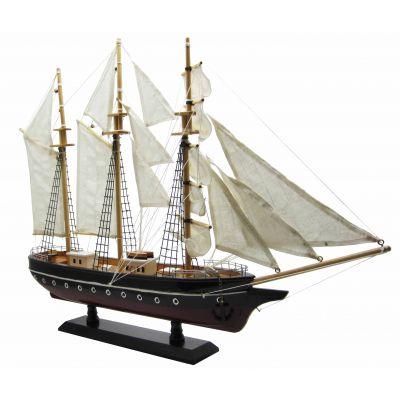 Купить Модель трехмачтового парусника в Москве