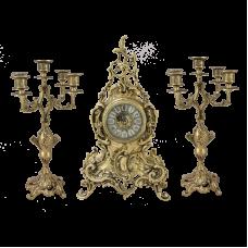 Часы антикварные каминные с маятником с канделябрами Луи XV
