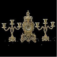 Часы антикварные каминные с маятником с канделябрами  Секуло