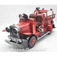 Ретро модель пожарной машины FORD